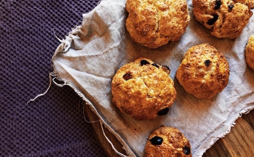 Печем булочки к завтраку – британскиесконы